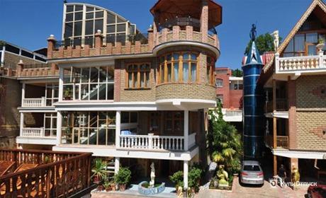 Ялта, отель «Медный всадник»